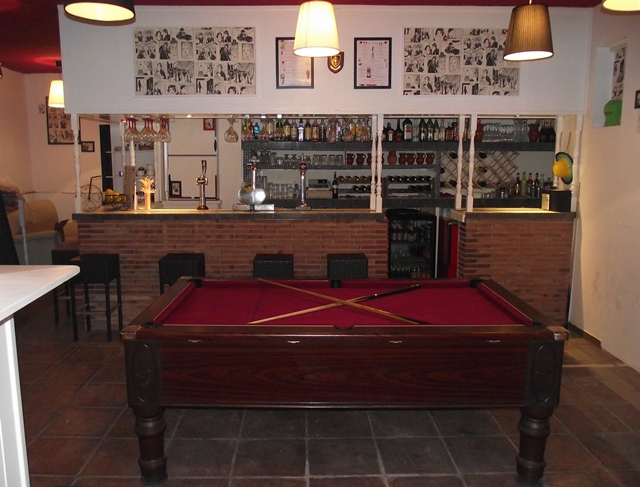 Bar & Games Area
